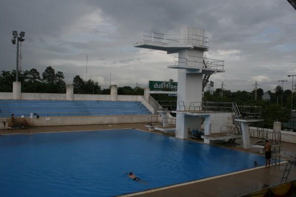 бассейн в спорткомлексе, чианг май