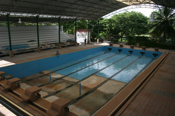 chiang_mai_swimming_pool_college